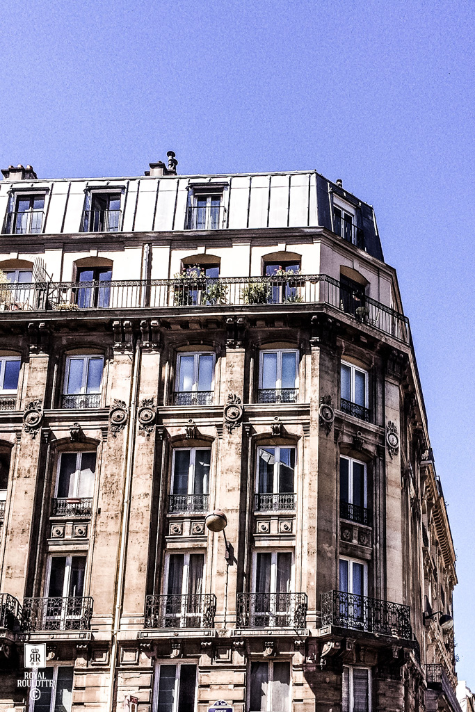 ROYAL ROULOTTE PARIS -★- APPARTMENT RENOVATION / HAUSSMANN BUILDING